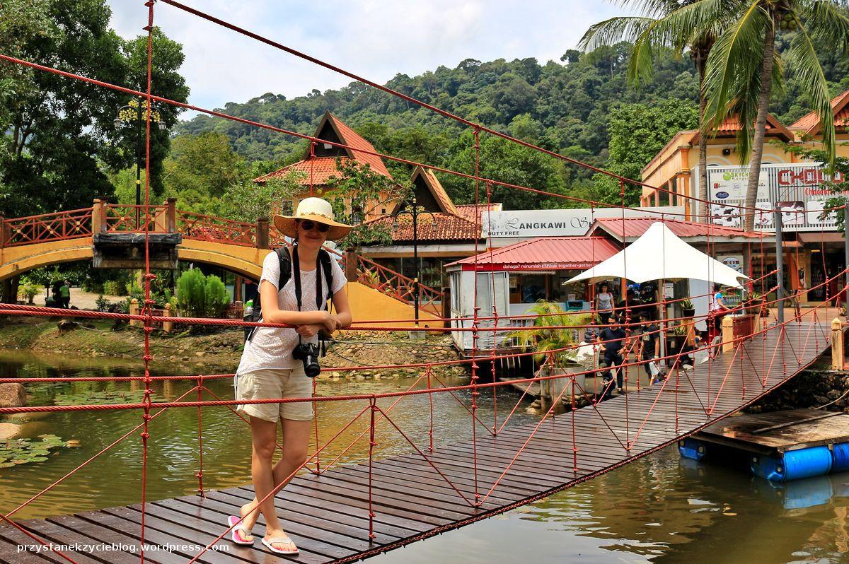 langkawi sky bridge_oriental village_nisia