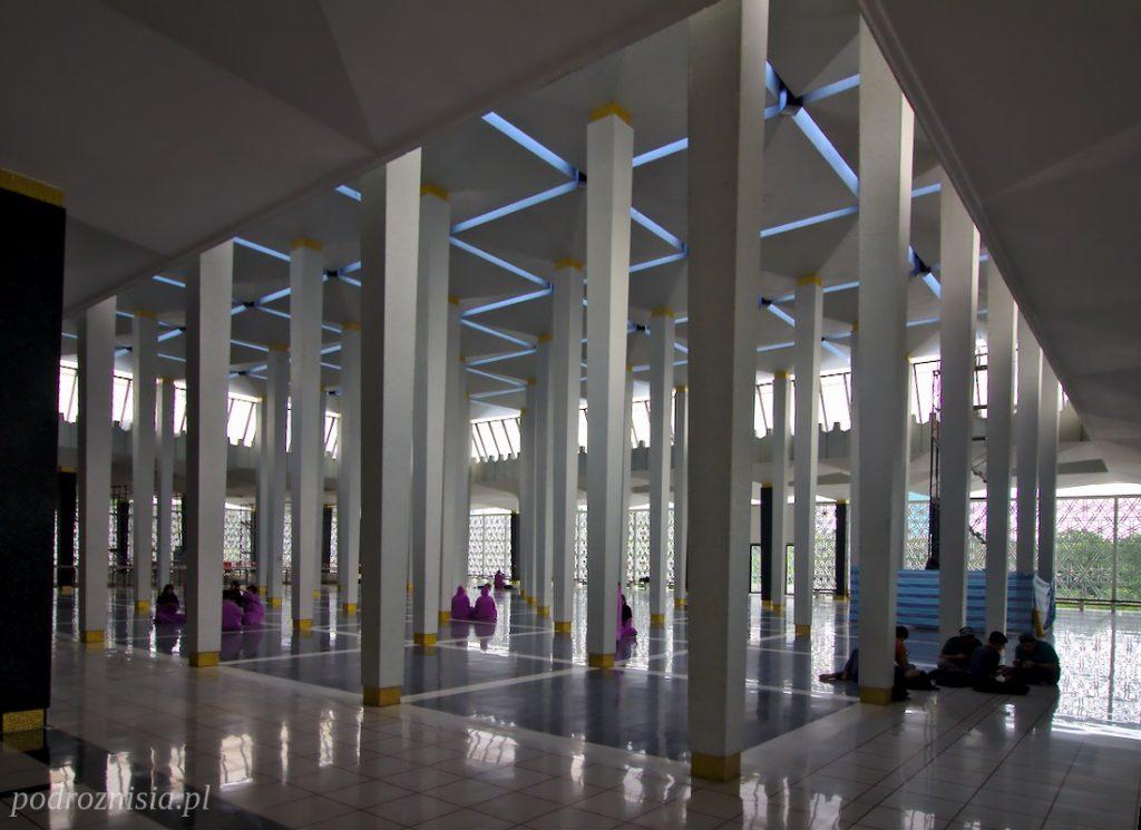Meczet narodowy w Kuala Lumpur w Malezji